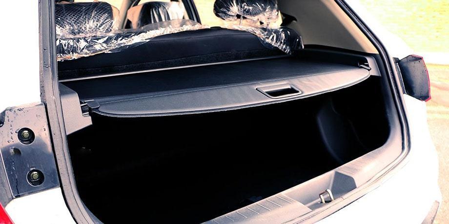 تصویری از نمای پشتی و صندوق عقب لیفان X50