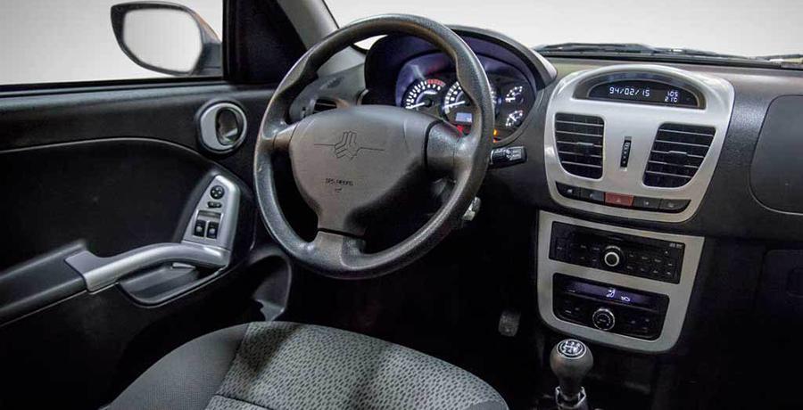 نمای داخلی خودرو کوییک دنده ای خودرو پر فروش در خرید اینترنتی خودرو